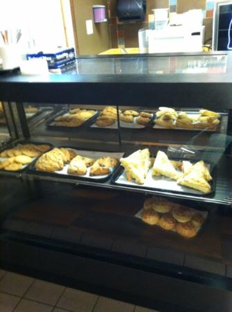 Christy's Cafe and Bakery: Second bakery case