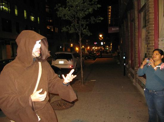 Fantomes Montreal Ghosts: Photo of the english guide