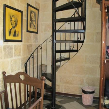 Luciano Valletta Boutique Accommodation: staircase