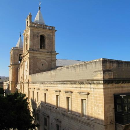Luciano Valletta Boutique Accommodation: cathedral