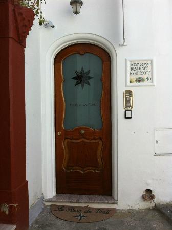 La Rosa Dei Venti: Door of the hotel