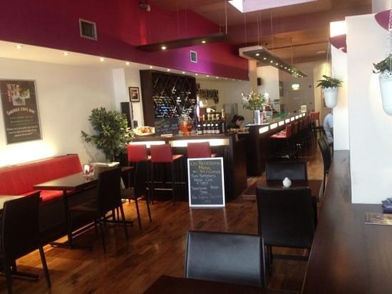 Sheries Cafe Bar: Slick fresh interior