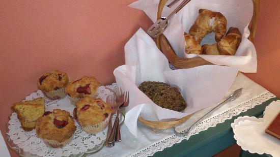 Devondell: Scrumptious, freshly home made muffins!