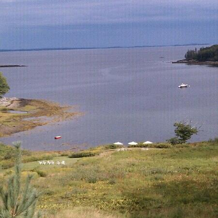Island View Inn: Every room has this view of Clam Cove and Penobscot Bay.