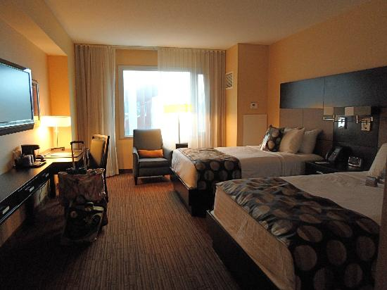 Turtle Creek Casino & Hotel: 2-queen bed room interior - 5th floor