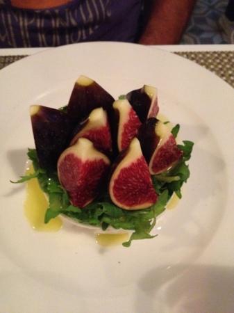 eF & Gi Restaurant: Fig and mozzarella starter!!