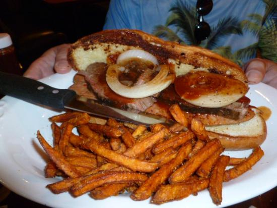 Babe's Bar-B-Que Grill and Brewhouse: Big sandwich with meat and a hot sausage