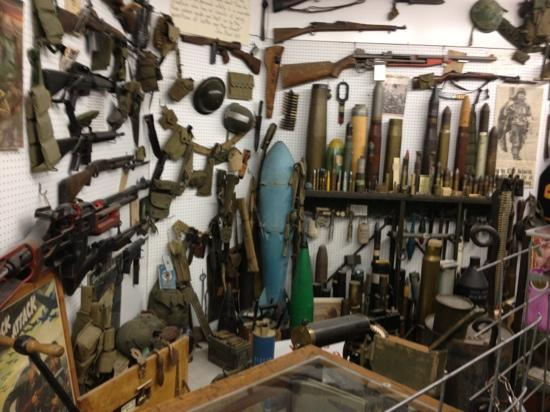Miracle of America Museum (MoAM): other allied millitary items