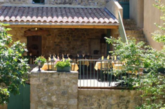 Labastide-de-Virac, Frankrike: terrasse restaurant