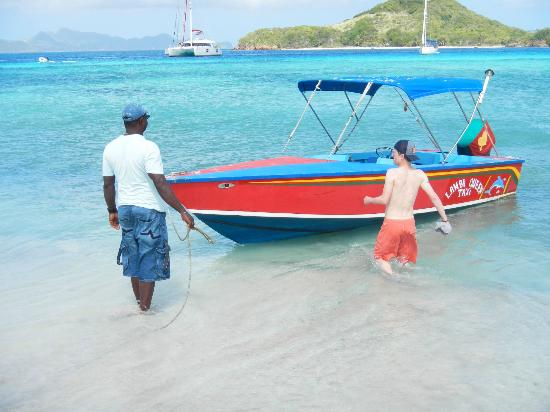 Simply Carriacou Island Tours: Anchoring the Lambi Queen to swim with some turtles