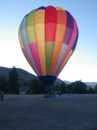 Morning Glory Balloon Tours: Ready to go