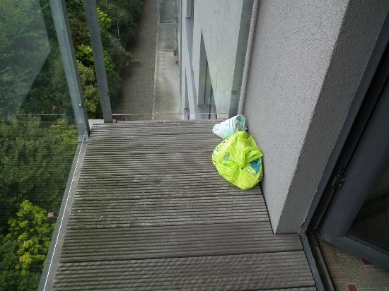 Clarion Hotel Liffey Valley: Nappies on the balcony
