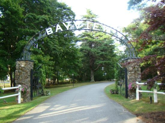 The Bayview: Bayview Entrance