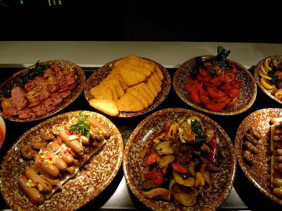 شانجري - لا هوتل سورابايا: Breakfast
