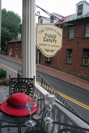 The Town's Inn Image