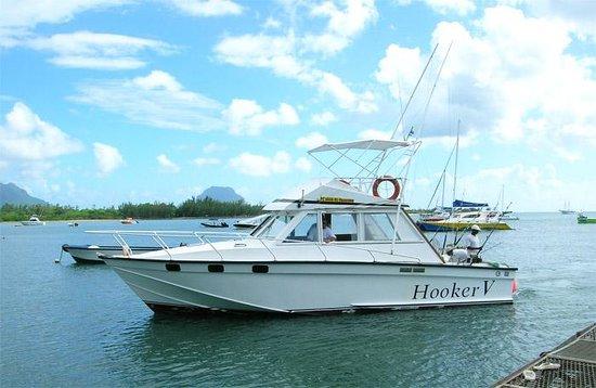 Hooker deep sea fishing riviere noire mauritius top for Deep sea fishing seattle