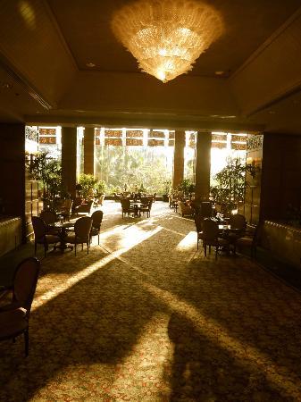 Shangri-La Hotel Surabaya: 6.30 AM