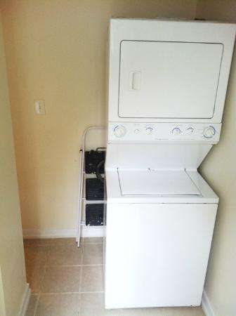 The Williamsburg Guesthouse: Washer and dtyer avaailable