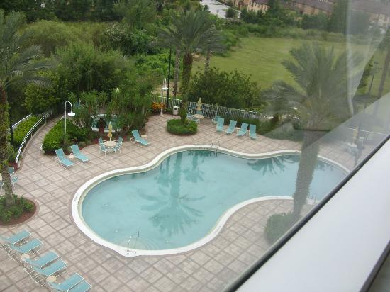 Comfort Suites Maingate East: pool view from room window - floor 6
