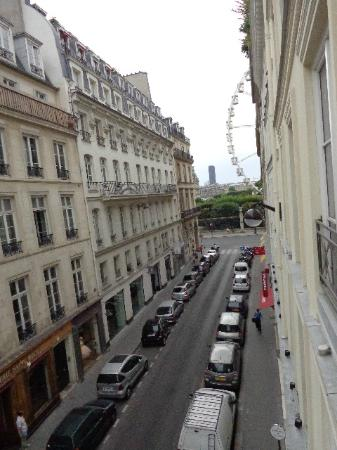 Le Pradey: Looking toward les Jardins Tuilleries from GP Suite window