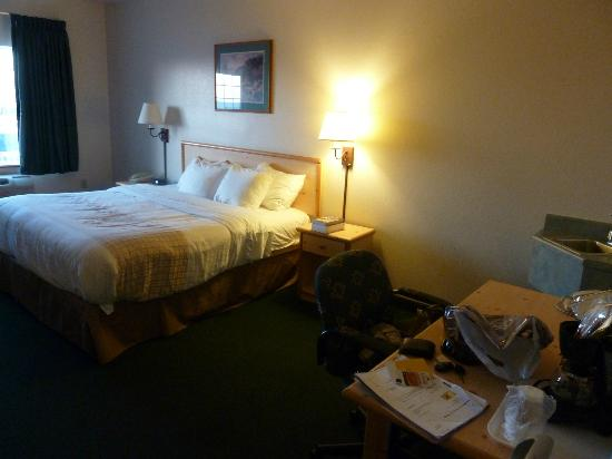 La Quinta Inn & Suites Belgrade / Bozeman Airport: King room