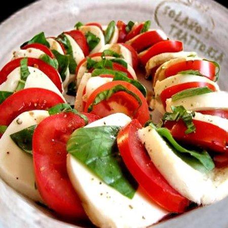 Solano's Trattoria: Fresh Mozzarella & Tomatoes
