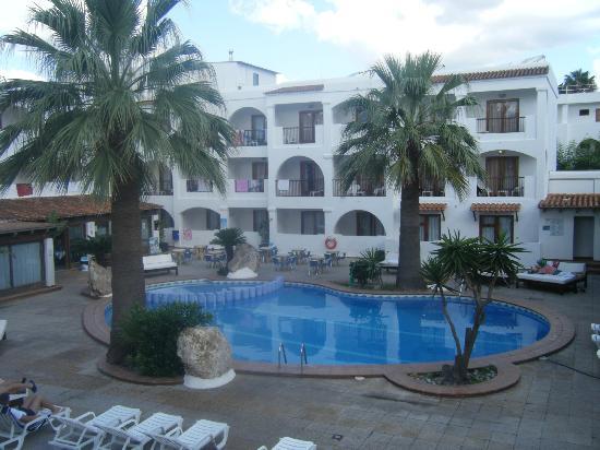 Hotel Playasol Bossa Flow : Pool area