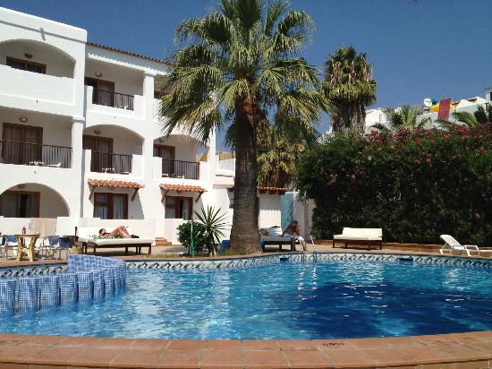 Hotel Bossa Park: pool area
