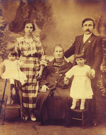 Sardella's Italian Restaurant: Mother and Grandmother