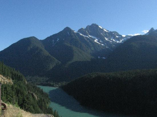 North Cascades Highway: View of the Cascades