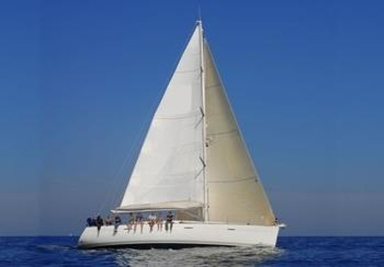Liven Up Great Boats - Private Day Tours : Sailing First 47.7
