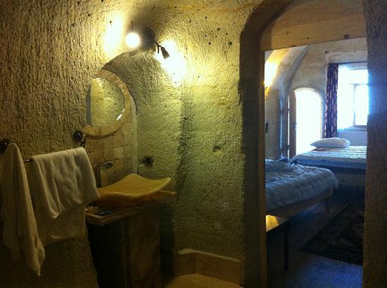 Hotel Ariarathes: il bagno