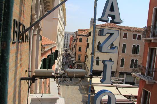 Hotel Antica Casa Carettoni : Вид из окна 3 этажа