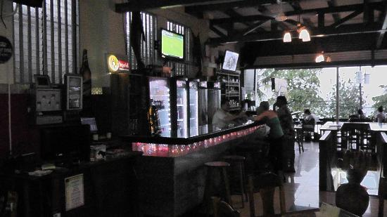 Restaurante and Sports Bar El Sol: back to front