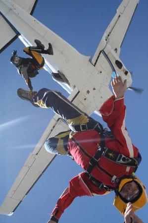 attraction parachuting