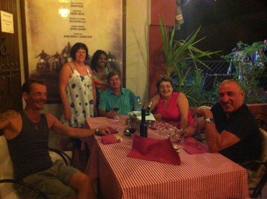 Accord Majeur: encore une bonne soiree entre amies accueilli par la patronne une bonne table et le service au