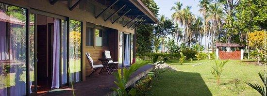 Kenaki Lodge: terrasse et vue depuis les chambres d'hôtes