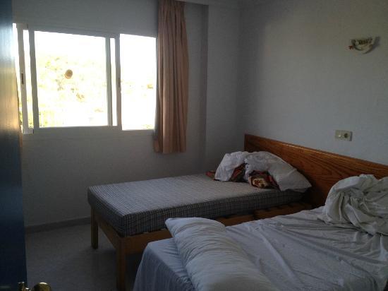 Apartahotel Monterrey: bedroom
