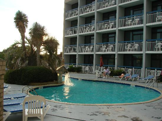 Travelodge Outer Banks/Kill Devil Hills: pool area