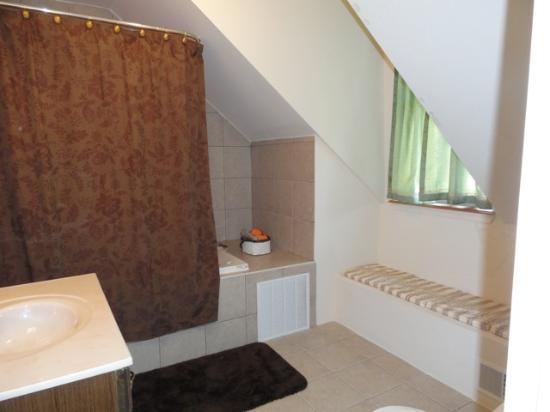 Casa Giunta Bed and Breakfast: Bath
