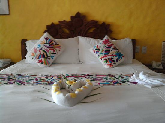 Aura del Mar Hotel: la habitacion decorada y de gusto 100 % mexicano..