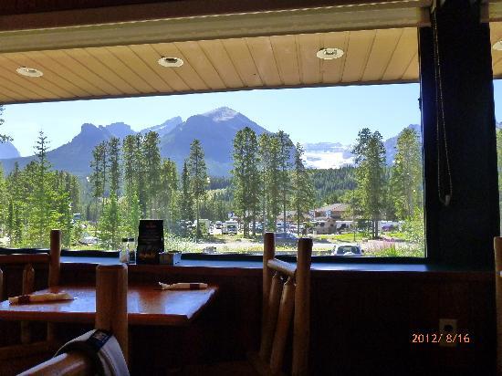 Mountain Restaurant: 窓から見える景色