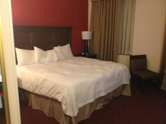 Hampton Inn & Suites Atlanta - Downtown: Room 809
