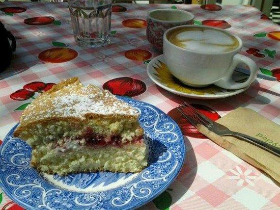 the Cake Cafe: Homemade Sponge Cake and Cappuccino