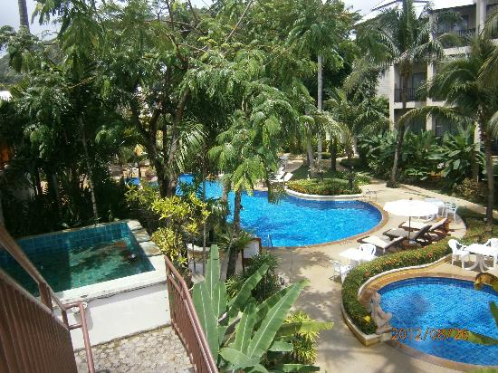 Horizon Karon Beach Resort & Spa: Top two pools