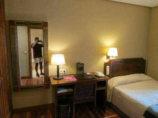 Parador de Hondarribia: Single room