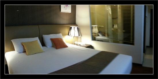 Mida Hotel Don Mueang Airport Bangkok: Un grand lit un peu mou