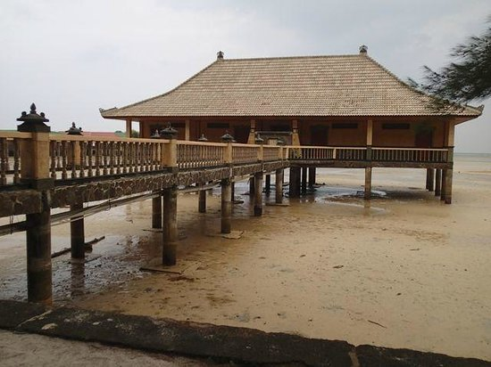 Bintan Agro Beach Resort: Outside the Blue Ocean Suites