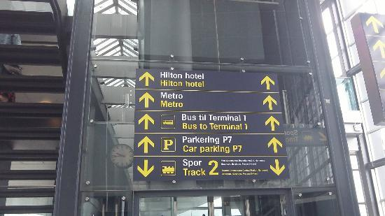 Hilton Copenhagen Airport: Easy to find from the terminal