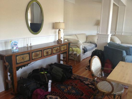 Bamfield Villa: Downstairs Living Room